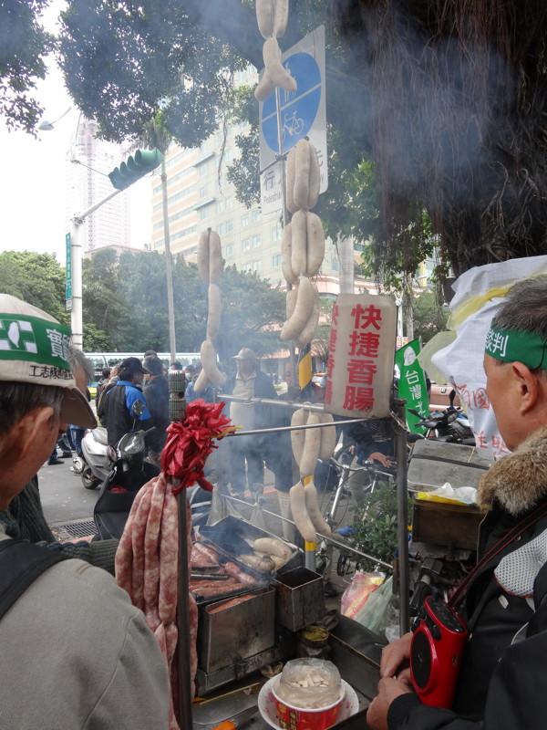 民主香腸再現@中山南路、濟南路交叉口
