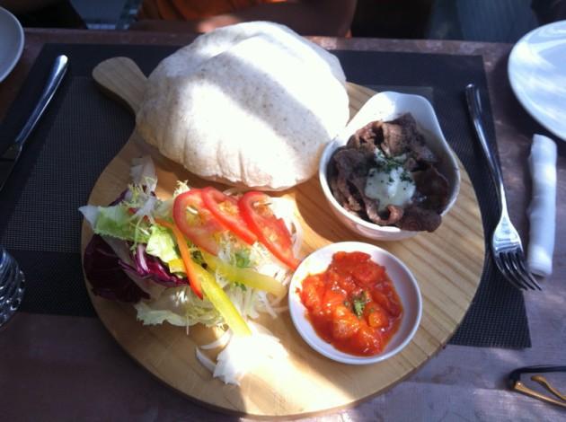 莫札瑞拉起士炭烤雪花牛口袋餅@洛義 義式料理2F