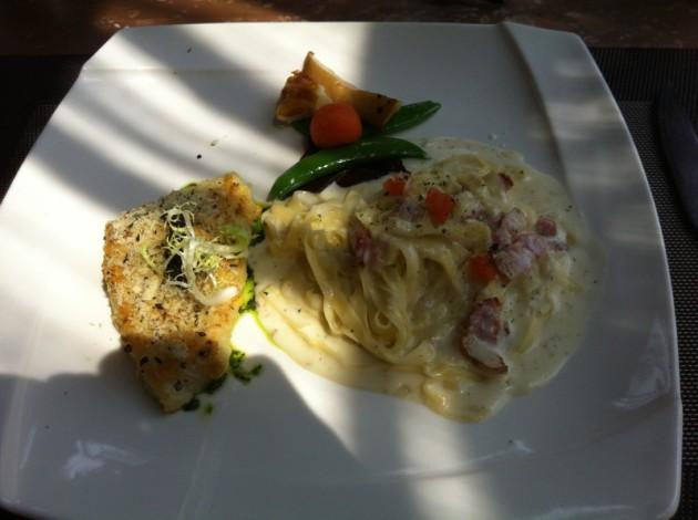 香草烤鱈魚排+手工義大利麵@洛義 義式料理2F